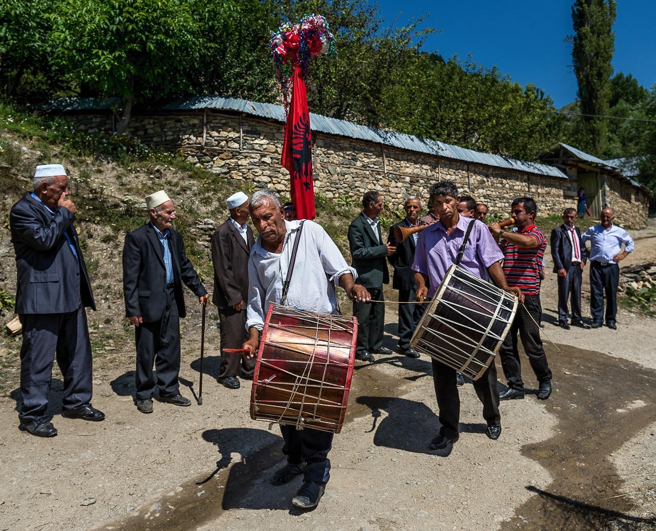 Muzikanti na albánské svatbě