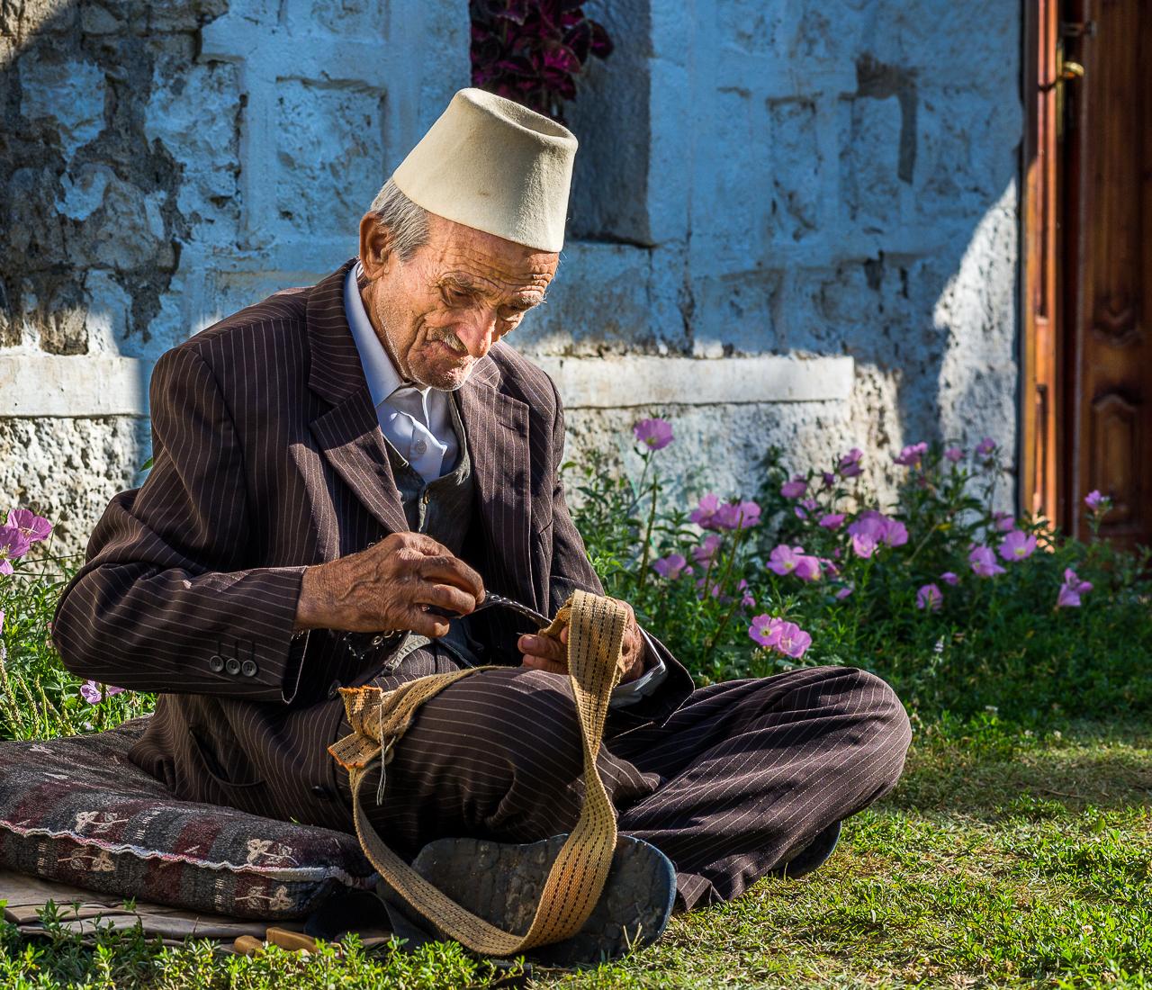 Albánci