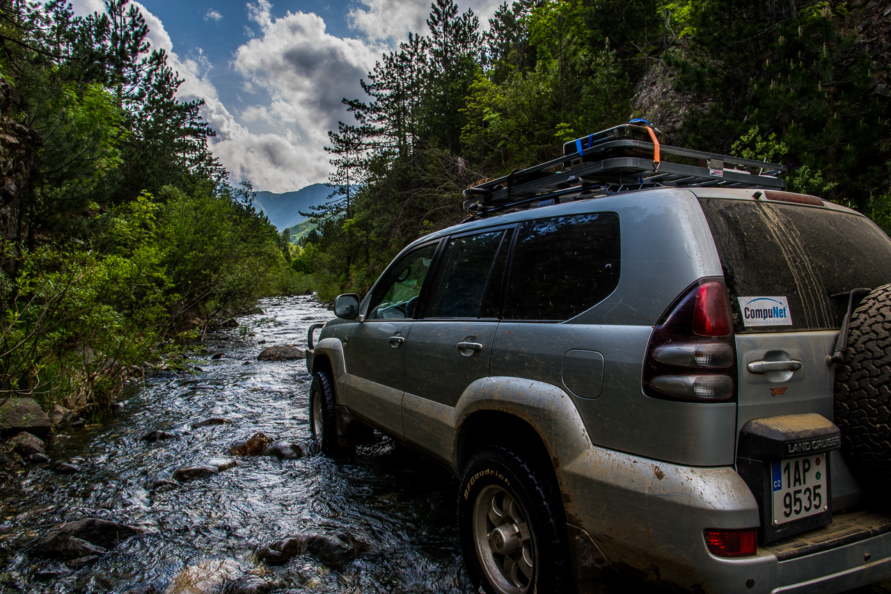 Albánie a Toyota Landcruiser