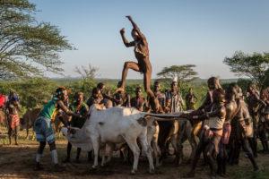 etiopie-udoli-reky-omo-hamar-skok-byk20