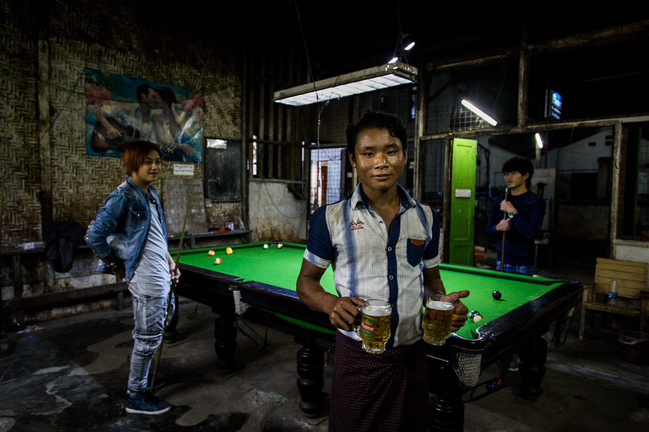 Billiard, Hsiphaw, Barma