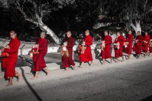 Budhističtí mniši, Shwebo, Barma