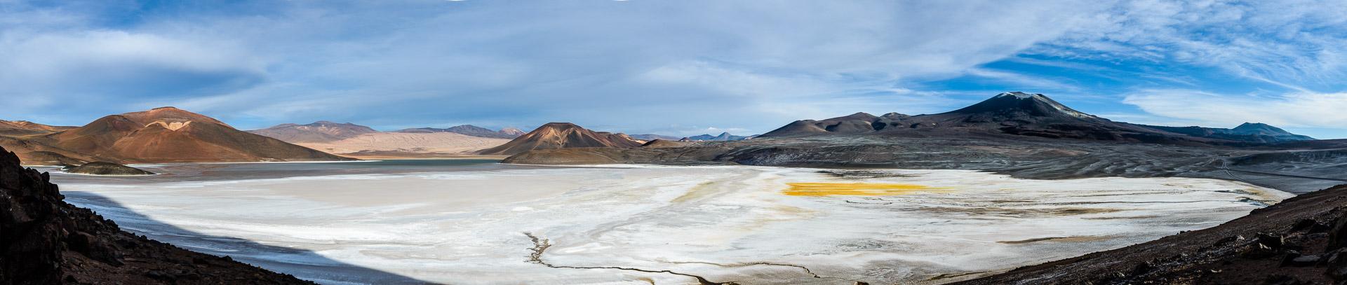 Laguna de la Azufrera, volcano Lastarria