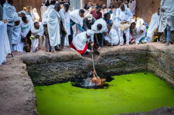 Lalibela, Svatá koupel